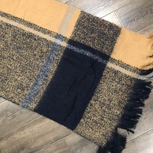 NWOT blanket scarf/wrap